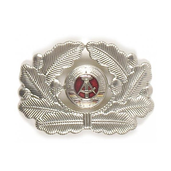 Odznak NVA čepicový důstojnický VM STŘÍBRNÝ