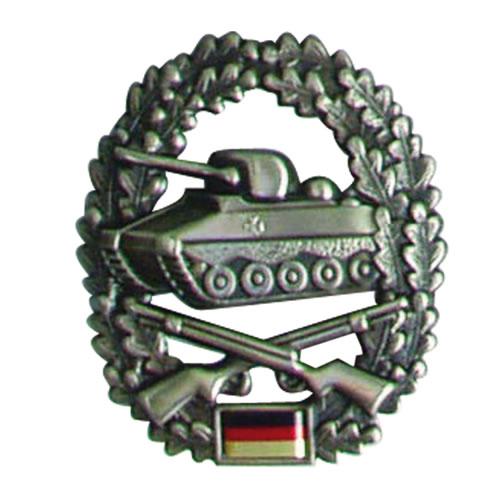 Odznak BW na baret Panzergrenadiertruppe