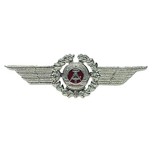 Odznak NVA s křídly čepicový vojín
