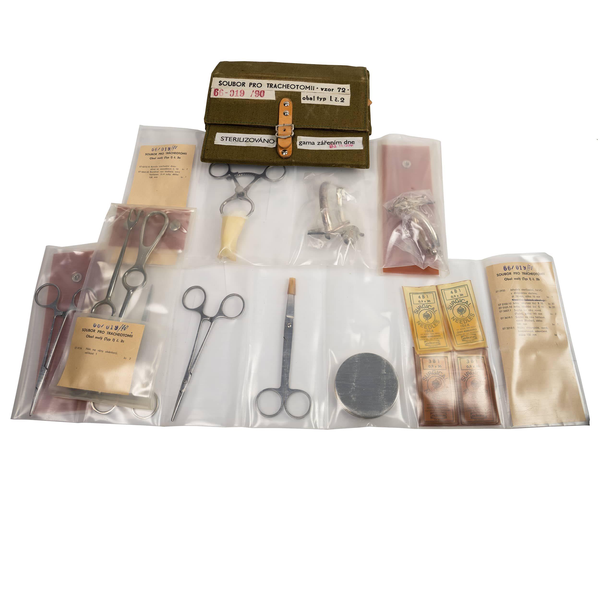 Soubor chirurgických nástrojů pro TRACHEOTOMII vz.72 Armáda ČR 66-019-90 L-11