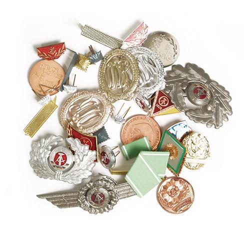Odznaky NVA sortiment (50 KS)